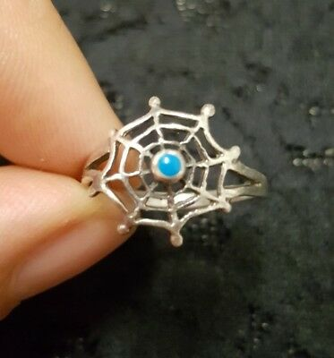 WOMENS VINTAGE small silver & blue EVIL EYE spiderweb RING! LOVELY!