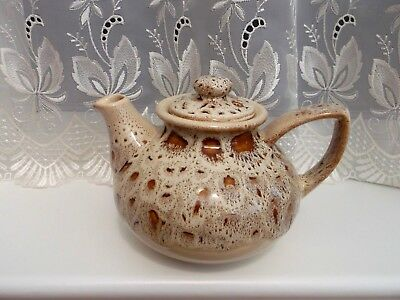 Fosters Blonde/ Honeycomb Large Teapot