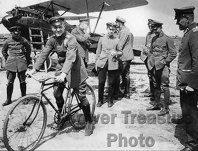 World War I Flying Ace  ** MANFRED VON RICHTHOFEN **  Photo Print (8.5 x 11)