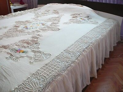 Gorgeous Antique Handmade  coverlet, bedspread with romanian point lace