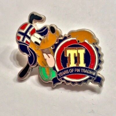DLR - Promotion - Disney Pin Trading 10th Anniversary - Pluto - Great Condition!