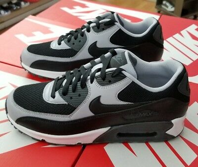 cheap for discount e65ab 5f23c Nike Air Max 90 Essential Men Black wolf Grey 537384 053