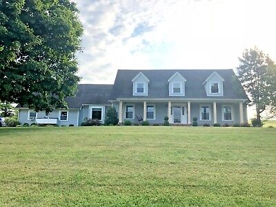 Beautiful Kentucky Home and Farm with 16.4 Acres Minutes from Dale Hollow Lake!