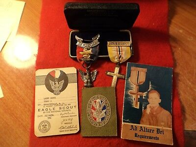 "****1954 ""named"" Rob 3 Eagle Medal, Patch, 1953 Ad Altare Dei Medal & Booklet"