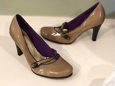 Ladies Vintage Mary Jane style shoes - Size 40
