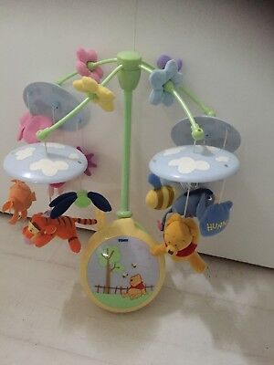 Tomy Winnie The Pooh And Friends Night Light Mobile