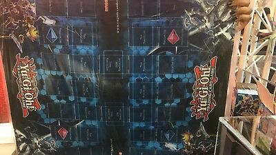 Seltene Yugioh Double Playmat Neu und Sealed.