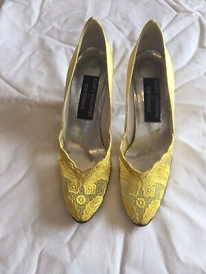 Vintage Stuart Weitzman For Martinique Yellow Lace Narrow Fit Heels 5