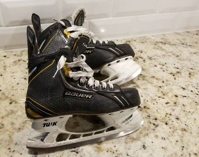 Bauer Supreme One.8 junior Ice hockey skates Size us shoe 4.5 D