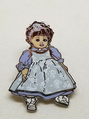 Marie Osmond Collector Pin  Olive May August 1995