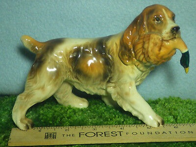 Hunting Dog with Duck  Spaniel Porcelon Vintage Japan