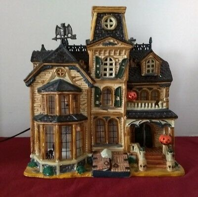 Spooky Town LEMAX Greaves Manor Lit Porcelain House Rare Retired Halloween