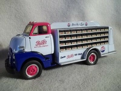 First Gear 19-1716 Pepsi Cola 1952 GMC Bottler's Truck 1/34