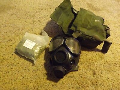 us military army gas mask medium with bag and hood