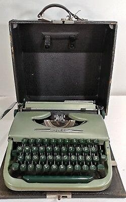 Vintage Portable Green Vilet Mechanical Typewriter w/ Case Post WWII German Rare