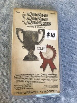 Sizzix - Tim Holtz -Repositionable Magnetic Die - 659444 - Mini Trophy & Ribbon