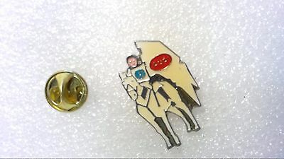Pin's Audi Jeanne D'arc Chevalier
