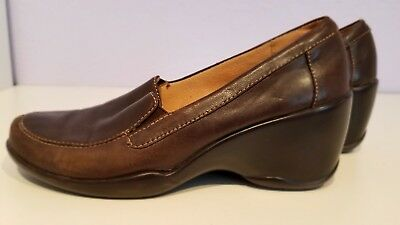 Naturalizer  Legacy Women's Brown Leather Loafer Style Wedge Heels Size 6.5M