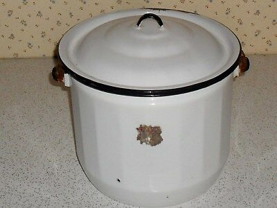 Vintage enamelware chamber pot with wire handle and lid