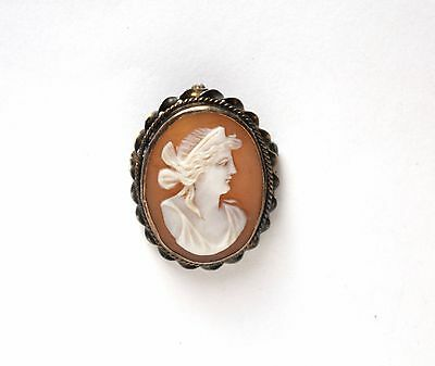 Vintage/antique carved shell sterling silver classical cameo brooch pendant