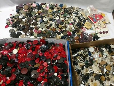 LARGE ESTATE LOT OF OLD ANTIQUE AND VINTAGE BUTTONS METAL GLASS Bakelite Retro