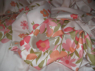 Wonderful Vintage PILLOWCASE/CURTAIN FABRIC! (Lots of Fabric!)