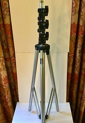 Manfrotto 3333   Light Stand  (tripod)  9 foot ... EXCELLENT condition
