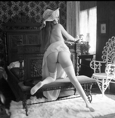 Vintage ORIGINAL 2 1/4 Nude negative  BLONDE WOMAN  PIN UP MODEL WITH NICE ASS.