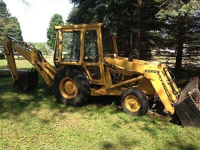 Ford 4500 Tractor Loader Backhoe with cab