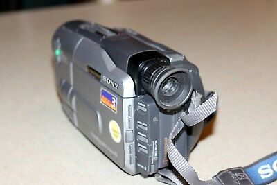 Video Camera Recorder Sony Handycam CCD-TRV81 Case, Tapes, Manual, Cords,