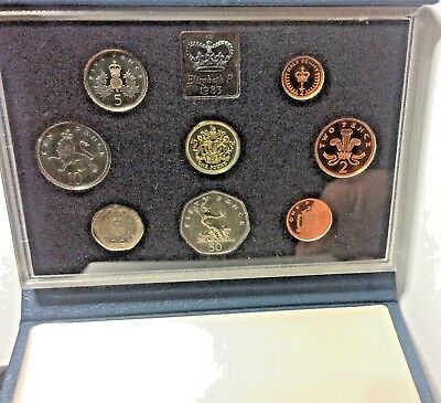 1983 United Kingdom Great Britain Proof Coin Set - In Quality Presentation Case