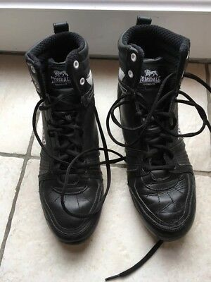 black lonsdale boxing boots size UK 7. Decent condition - see photos.