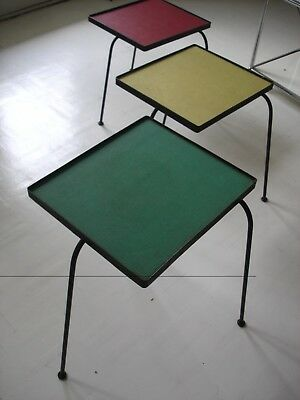 Tables gigognes tripodes vintage moderniste / circa 1950  1960 / nesting tables