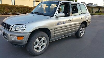 2002 Toyota RAV4 EV 2002 Toyota RAV4 EV fully electric plug in