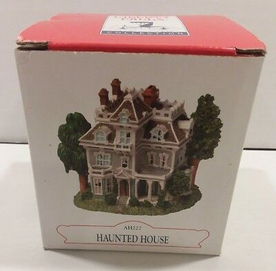 """Liberty Falls Collection Haunted House AH227 3"""" x 3"""" In Box"""