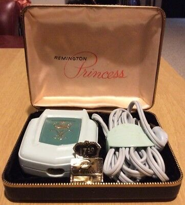 Vintage REMINGTON PRINCESS Ladies Green Electric Shaver With Case Works