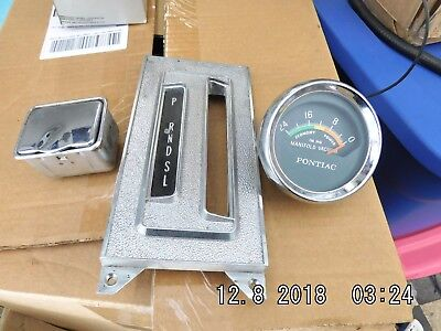 Pontiac Vacuum Gauge, Ash Tray And Shift Indicator