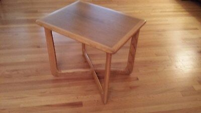 Lane Mid Century Modern Walnut And Oak Side Table, End Table, Small Coffee