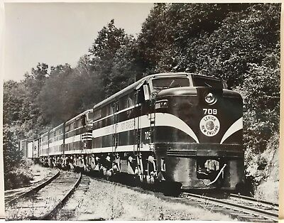 2 real vintage photos # 709 Leigh New England engine 8 x 10 glossy   NR