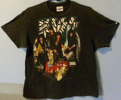 "Vintage Kiss 1984 ""animalize"" Concert T-Shirt With Trademark"