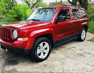 2014 Jeep Patriot Latitude Like New Condition and Fully Loaded!