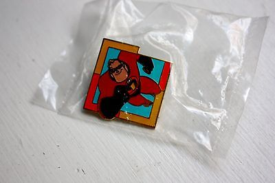 Mickey's Mystery Pin Machine Disney-Pixar Collection - Mr. Incredible -Brand New
