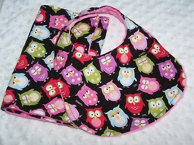 Boutique HM Minky Bib and Burp Set In  hoot owls on black