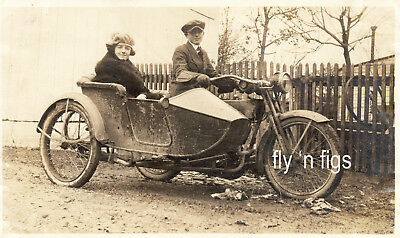EARLY HARLEY DAVIDSON MOTORCYCLE SIDECAR - original antique photo c 1918