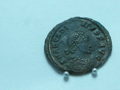 Ancient Roman Imperial coin ARCADIUS,AD392-395.Constantinople. AE2(22mm); 4.09g.