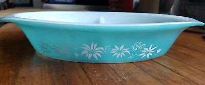 Vintage Turquoise Pyrex Flannel Flower divided dish  good condition