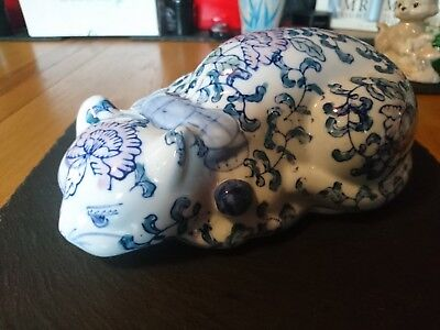 Blue and White Chinese ceramic Cat