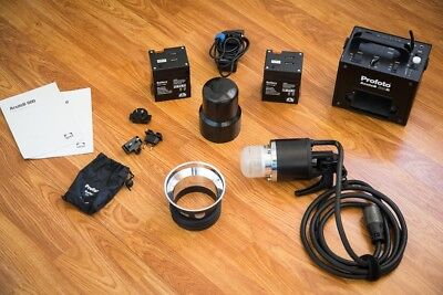 Profoto Acute b 600 R, very lightly used, great condition, 2 batteries.