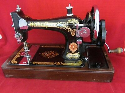 Vintage SINGER SEWING MACHINE Y9858574 in case with accessories GWO With Key