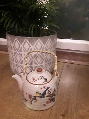 Brand new Chinese Style teapot with bamboo handle